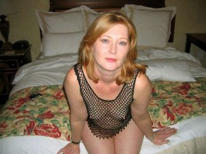 Raouia cheap escorts in California City