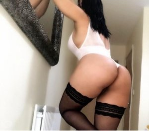 Gallia nude escorts service Oxon Hill, MD